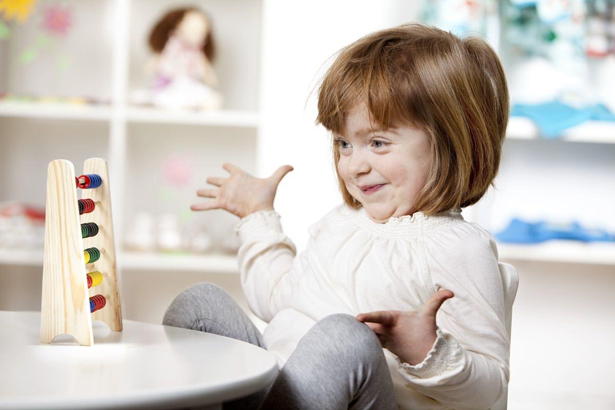 Kinder Werbefoto mit kleinem Mädchen fotografiert von Hanna Witte