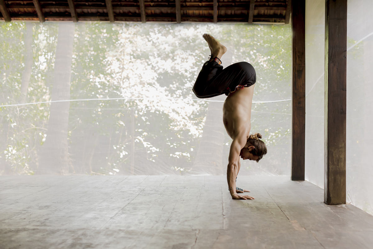 impressive yoga picture of yoga teacher Patrick Beach