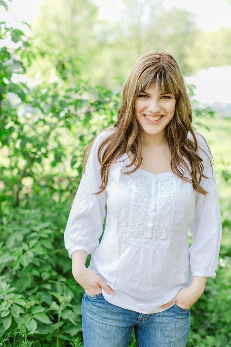 Outdoor Portraitfoto einer Frau aufgenommen von Fotografin Hanna Witte aus Koeln