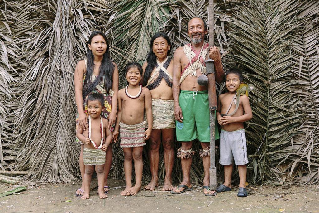 Portraitfoto einer indigenen Familie in Ecuador | Foto: Hanna Witte