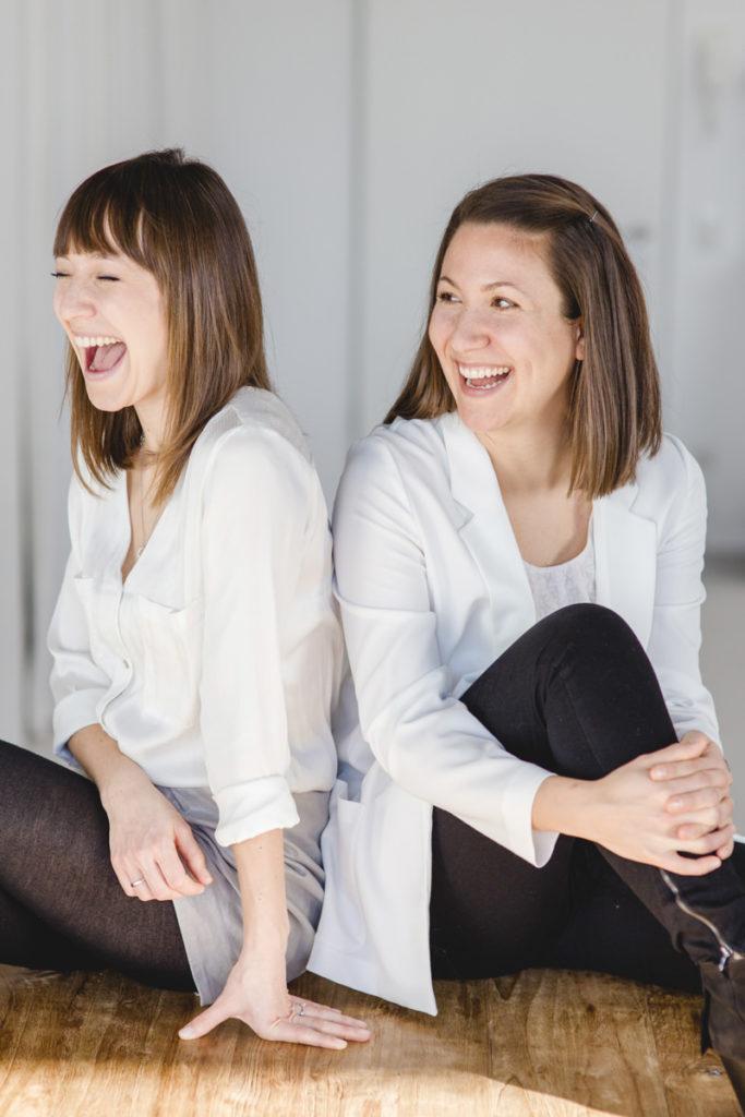 Portraitfoto von 2 lachenden Frauen | Foto: Hanna Witte