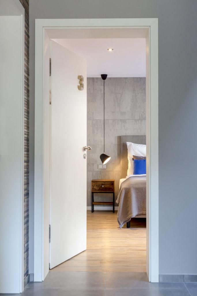 Foto mit Blick in ein modernes Hotelzimmer | Foto: Hanna Witte