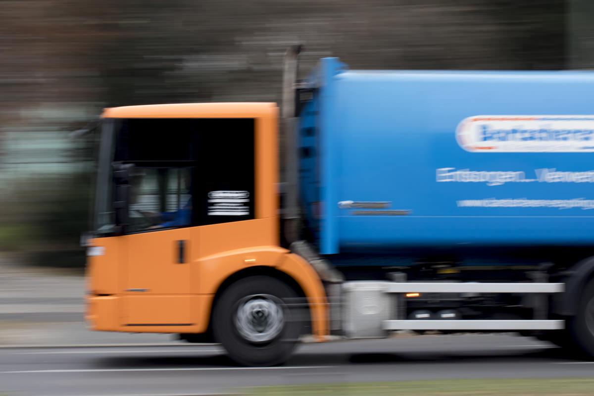 Firmenportrait des LKW der Abfallwirtschaft Bartscherer aus Berlin
