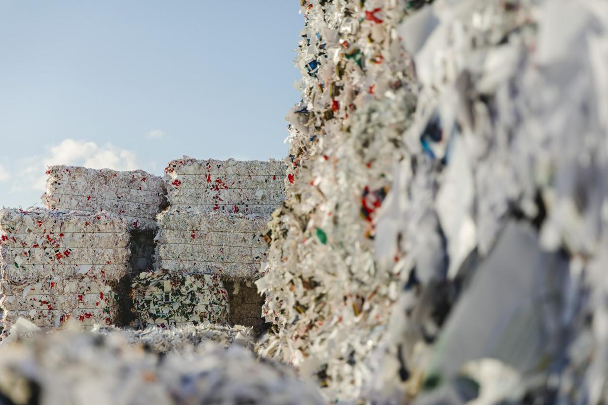 Firmenportrait mit Abfallbergen des Recycling Unternehmen Bartscherer aus Berlin
