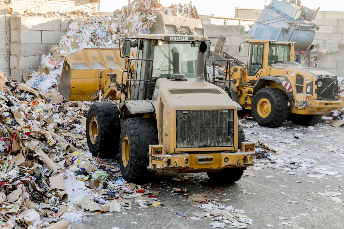 Industriefotografie von Baggern eines Recycling Unternehmens aus Berlin