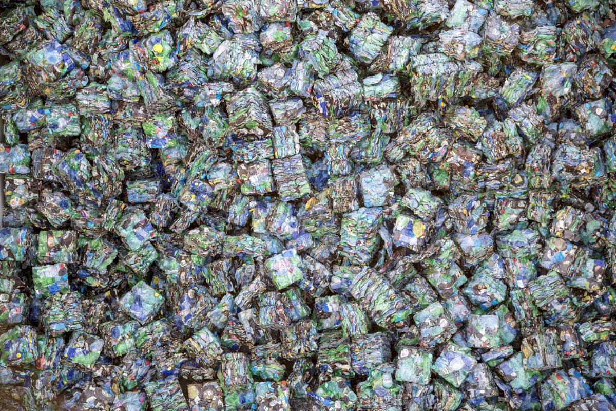 Unternehmensfoto der recycelten Stoffe eines Entsorgungsfachbetriebs in Berlin