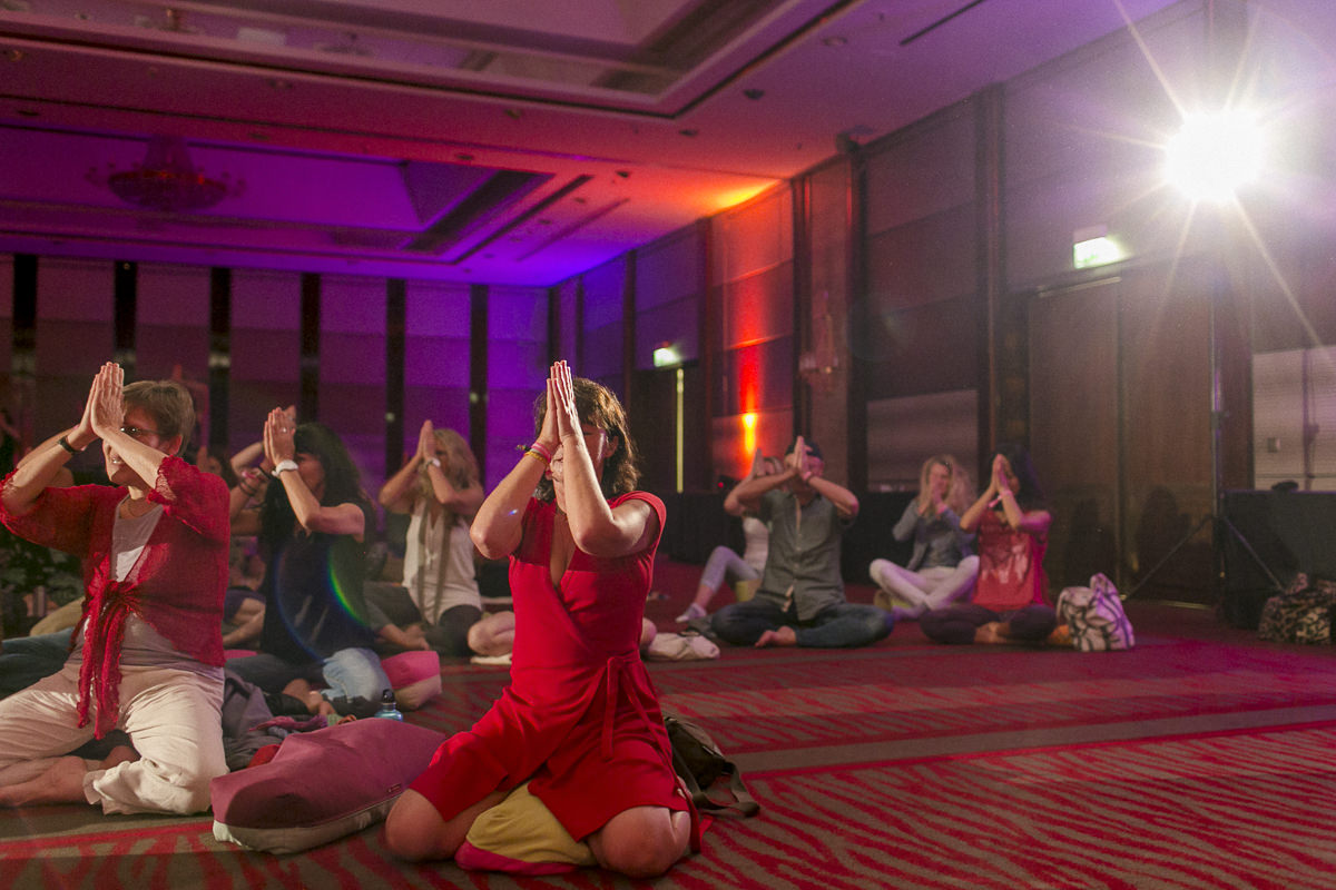 Teilnehmer der Yoga Conference Germany 2018 beim Yoga