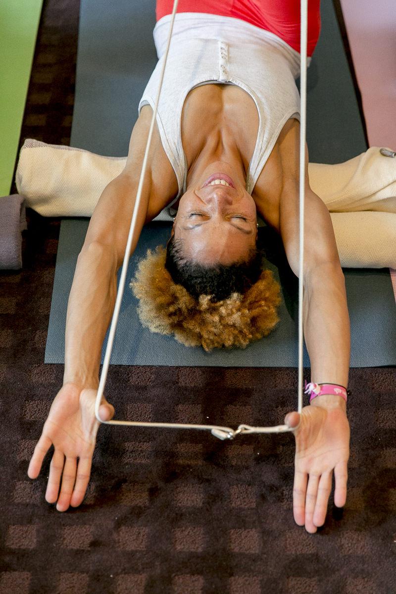 Yoga Übung während eines Kurses bei der Yoga Conference Germany 2018