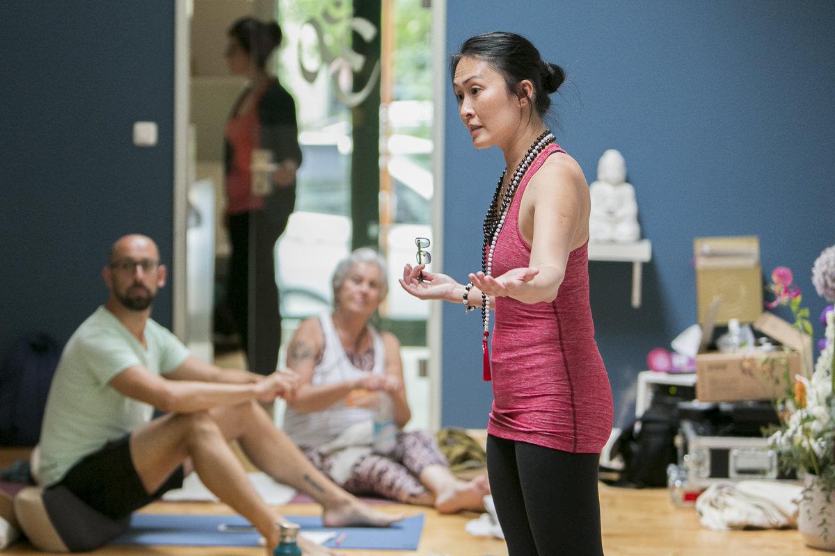 Yoga Lehrerin Jo Phee während der Yoga Conference Germany 2018
