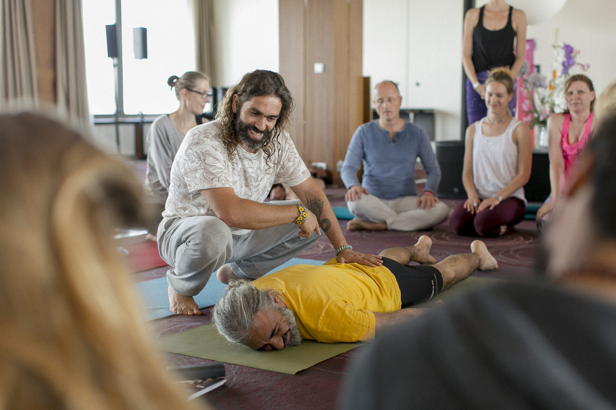 Yoga teacher Krishnataki at the yoga conference germany 2018