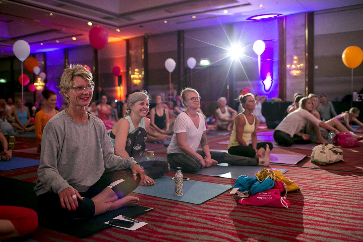 Eindrücke der Opening Ceremony der Yoga Conference Germany 2018