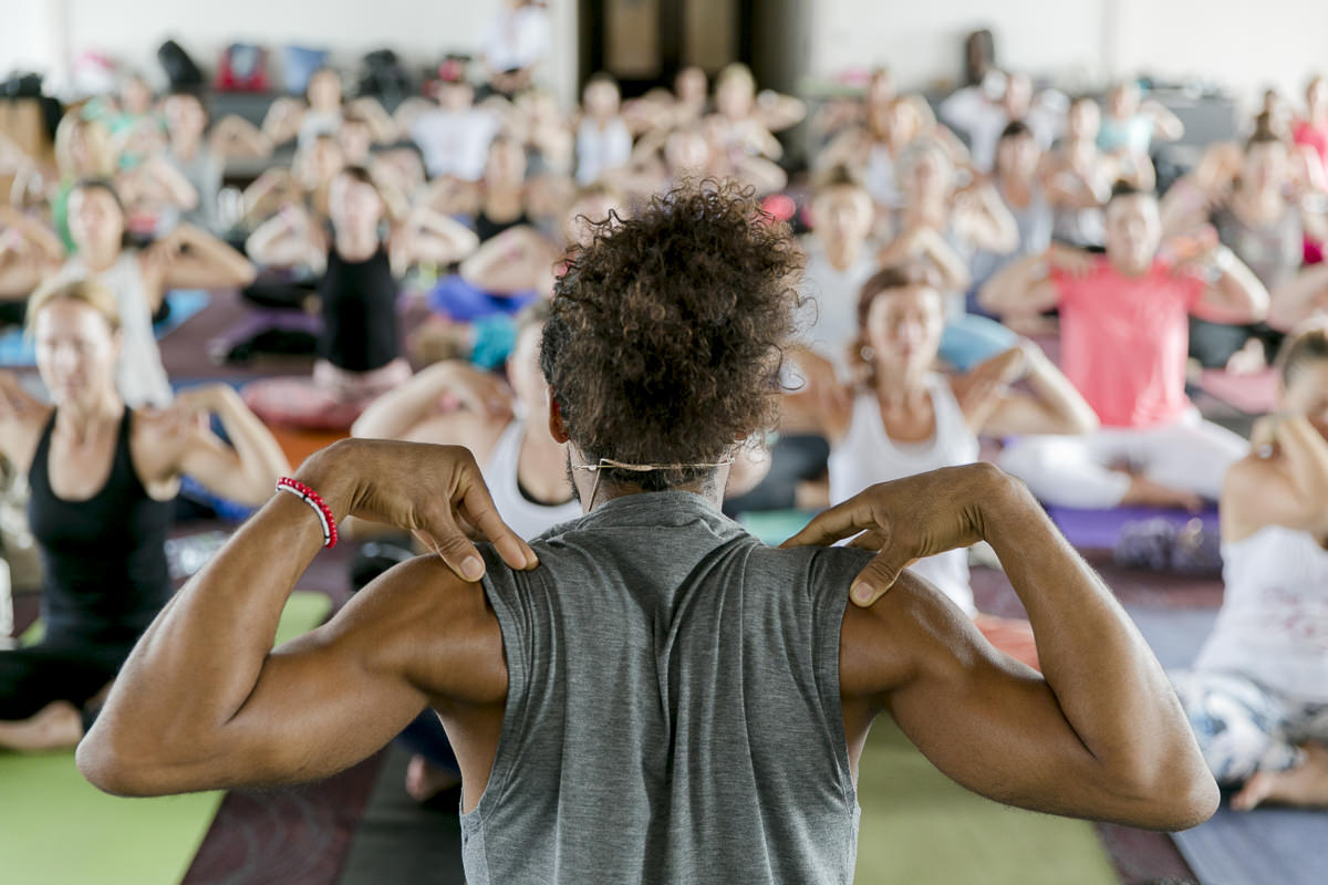yoga class of Mathieu Boldron during the yoga conference germany