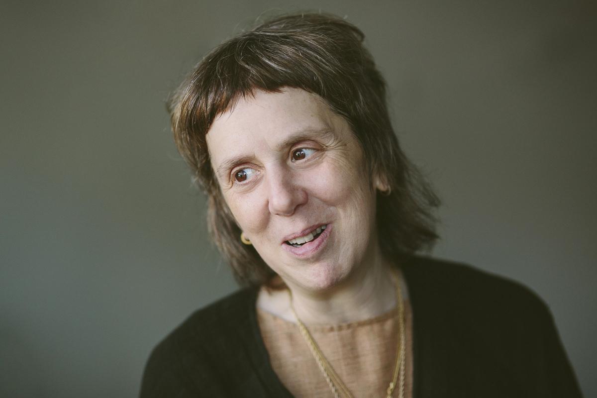 Portrait von Yogalehrerin Lady Ruth während der Yoga Conference Germany