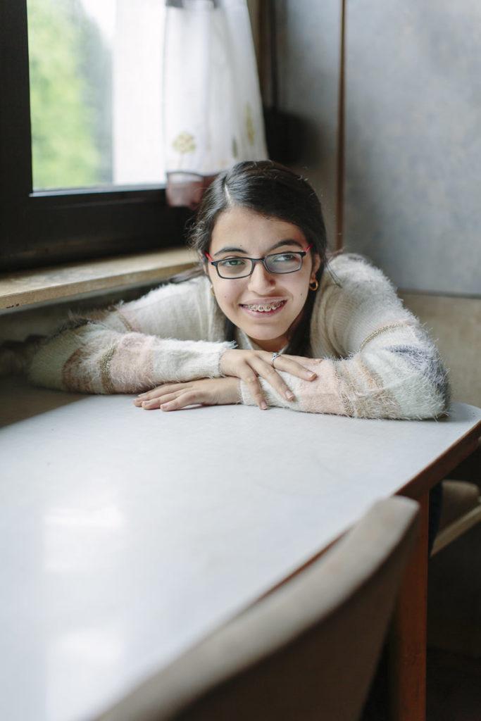ungestelltes Portraitfoto von Nujeen Mustafa | Foto: Hanna Witte