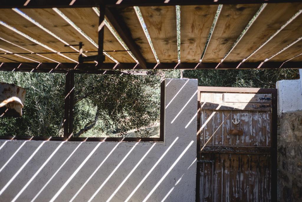 Sonneneinfall in einer alten Hütte auf Kreta | Foto: Hanna Witte