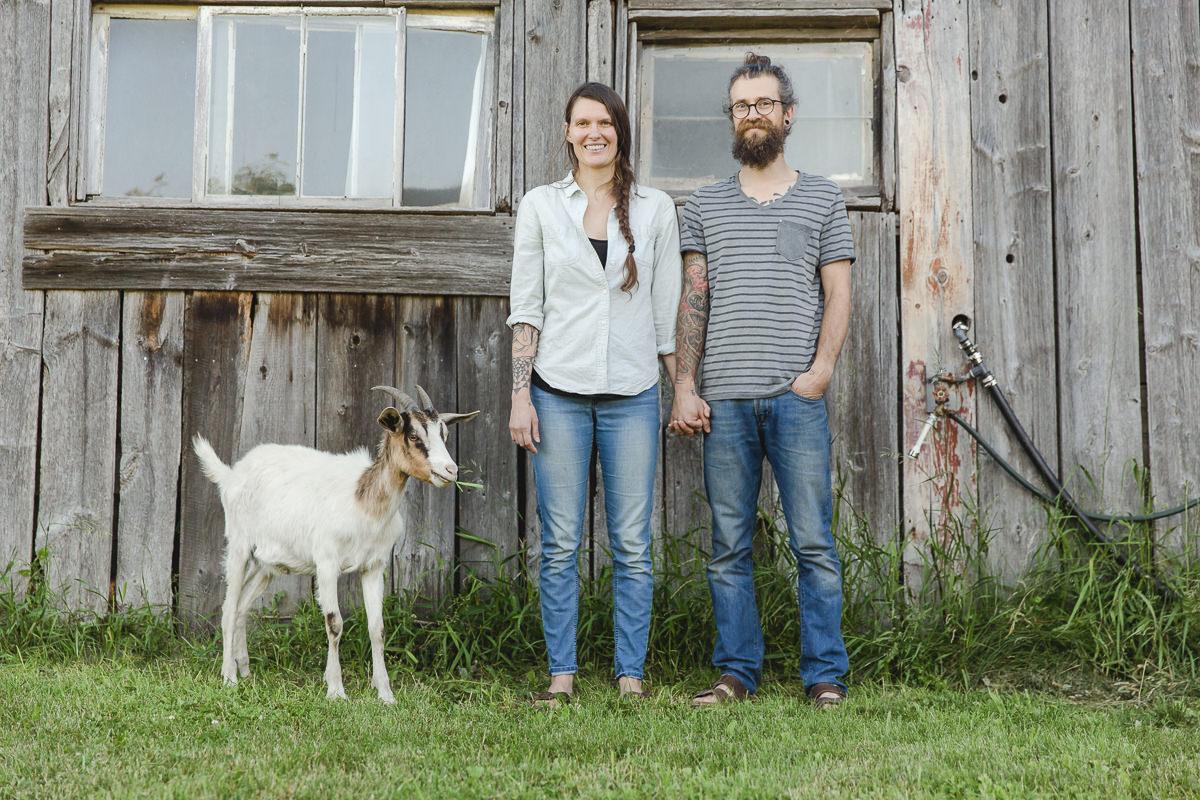 Portrait von Liz Huntly und Roland Jensch für die Fotoreportage auf ihrer Farm in Kanada