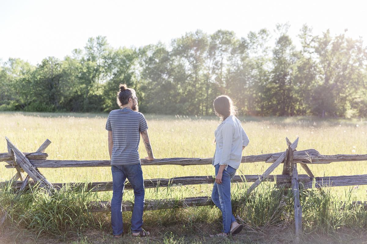 Portrait von Liz Huntly und Roland Jensch auf ihrer Farm in Kanada