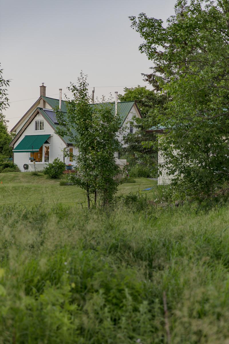 Farmhaus in der grünen Natur Kanadas
