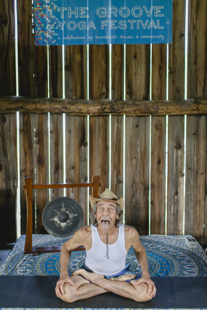 Yoga Portrait von Doug Swanson beim The Groove Yoga Festival in Kanada