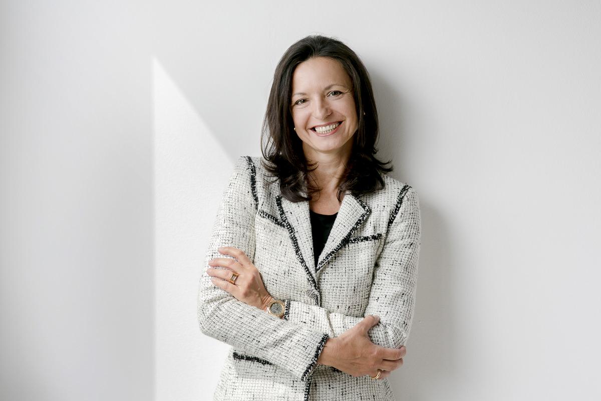 authentisches Businessfoto einer Unternehmerin fotografiert von Hanna Witte
