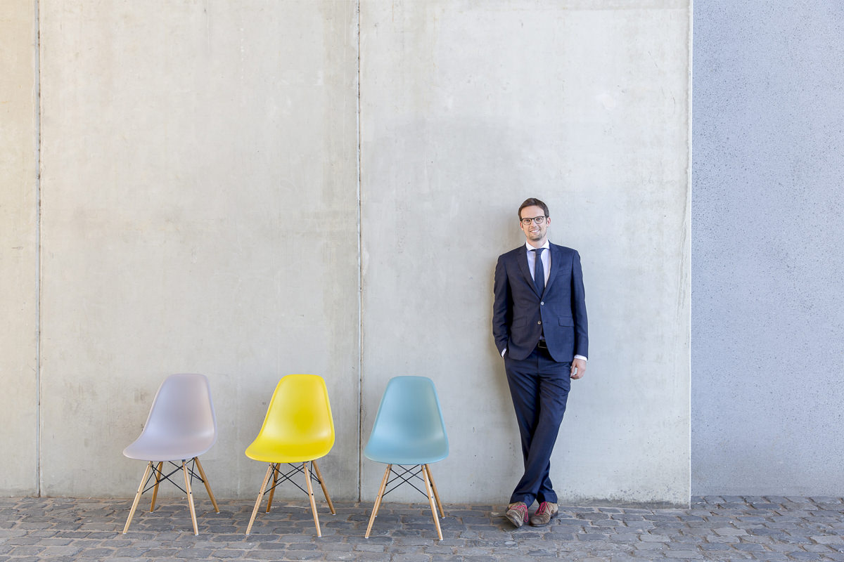 authentisches Business Portrait eines Rechtsanwalts