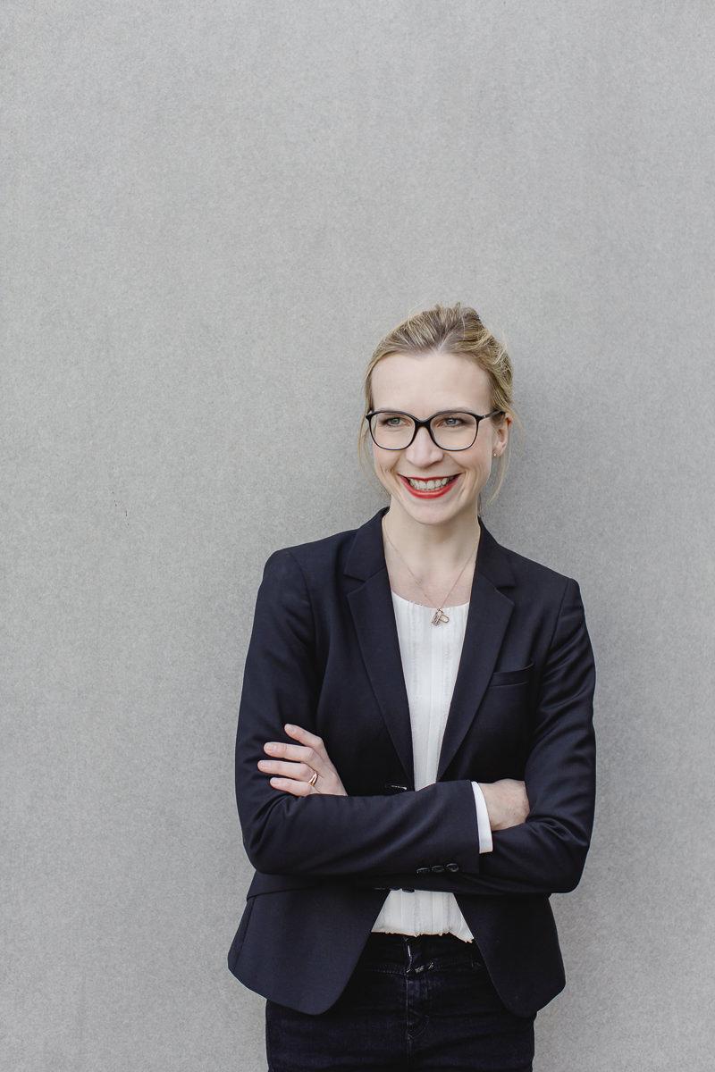 professionelles Businessfoto einer selbstständigen Unternehmerin