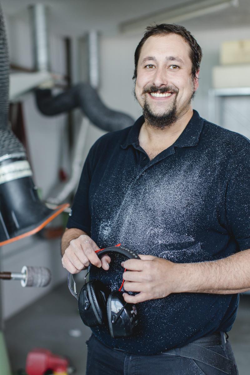 authentische Businessfotografie eines Mitarbeiters des Medizintechnikherstellers interco group
