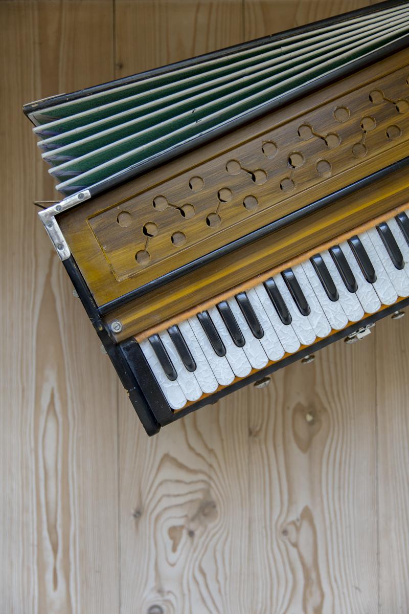 Foto von einem Klavier im Yogastudio Shivas Loft in Düsseldorf