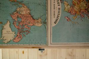Foto von einer Weltkarte aus dem Inneren des Yogimobil
