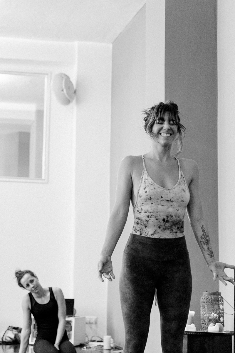 Meghan Currie bei ihrem Yoga Kurs auf der Yoga Conference Germany 2019