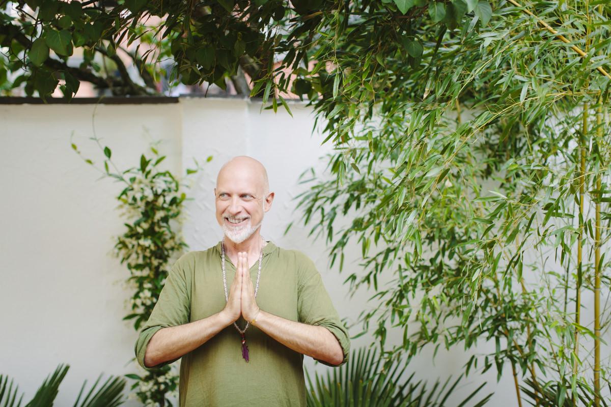 Yogaportrait von Yogalehrer Frank Schuler in Köln