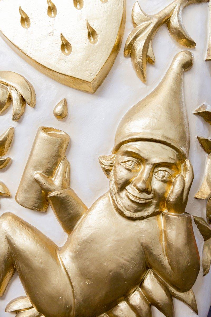 Foto goldene Narrenfigur für das Klaaf Magazin