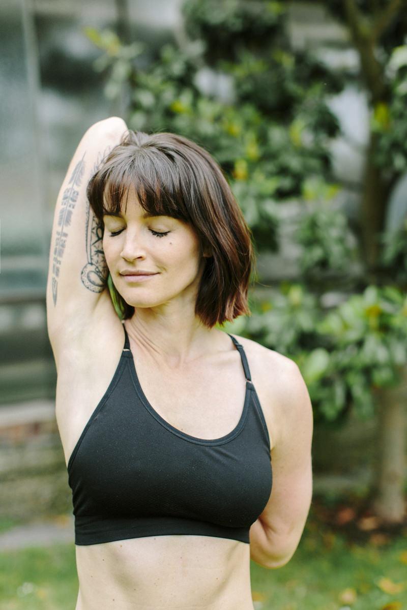 Yoga Portrait von Wanda Badwal | fotografiert von Fotografin Hanna Witte aus Köln