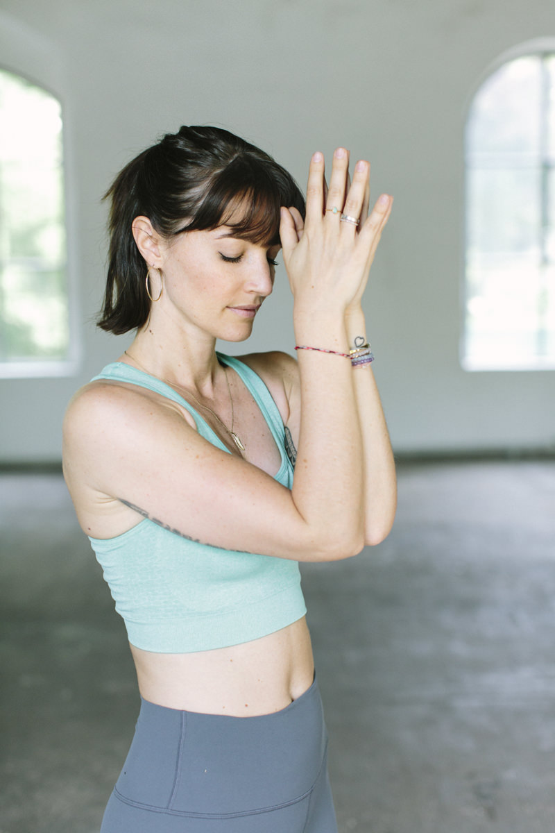 Bild von Yogalehrerin Wanda Badwal | aufgenommen von Yogafotografin Hanna Witte