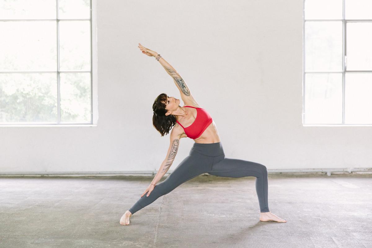 Yoga Foto von Wanda Badwal | aufgenommen von Yogafotografin Hanna Witte