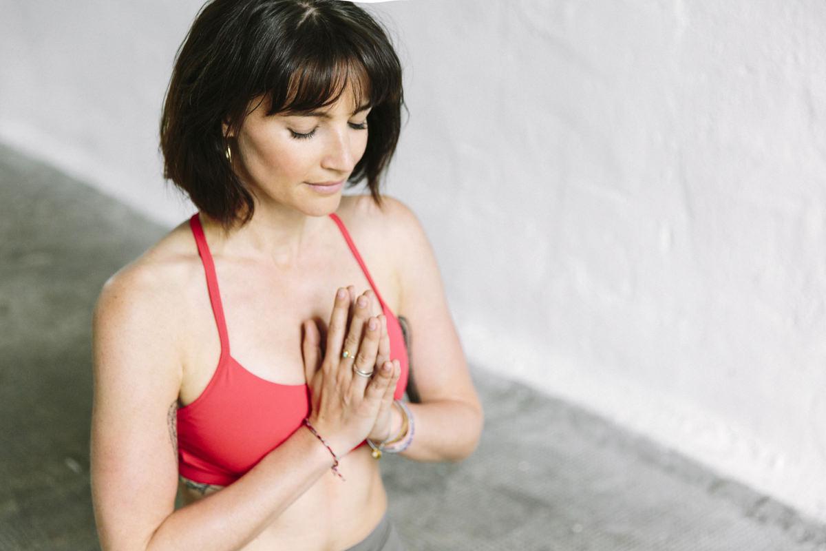 Yoga Portrait von Wanda Badwal | fotografiert von Hanna Witte aus Köln