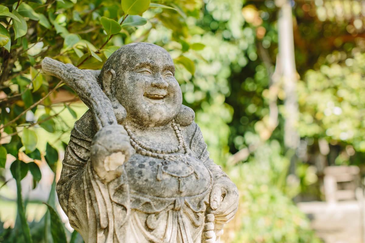 Foto einer Buddha Figur bei einem Yoga Retreat in Portugal