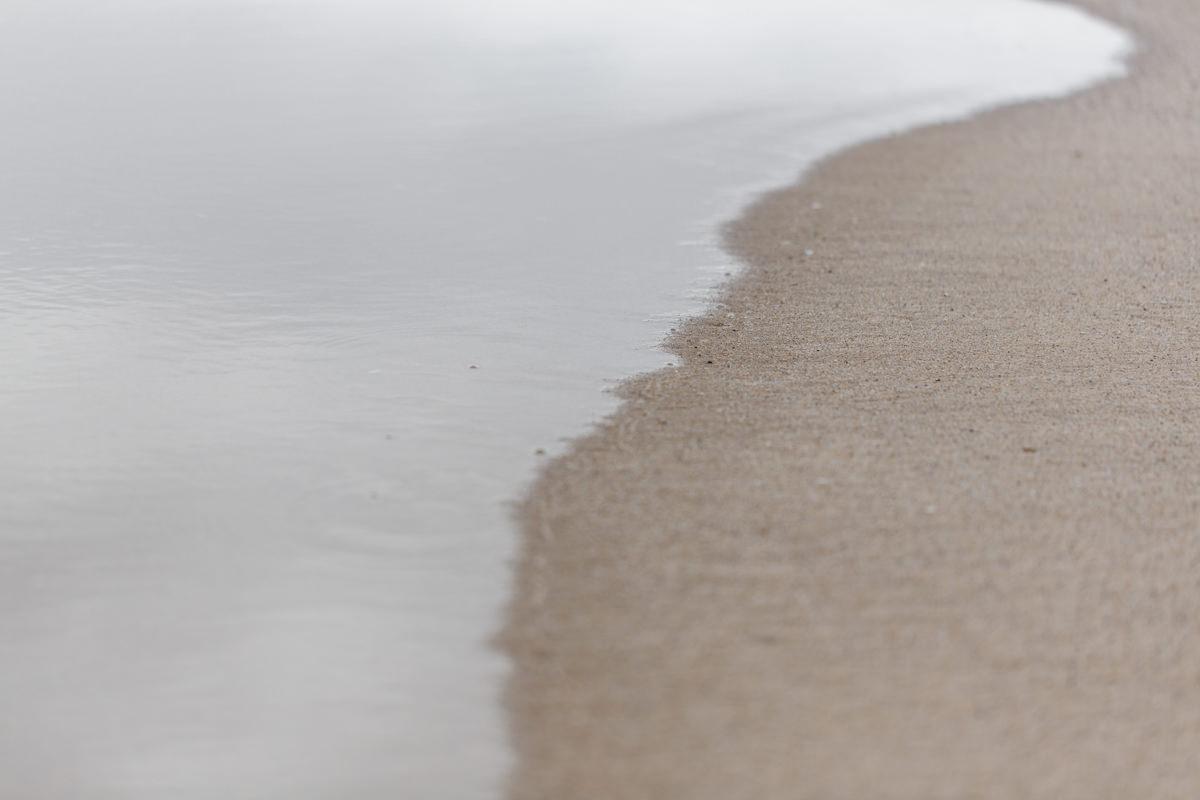 Naturfoto von Sand und Meer am Strand von Portugal | Foto: Hanna Witte