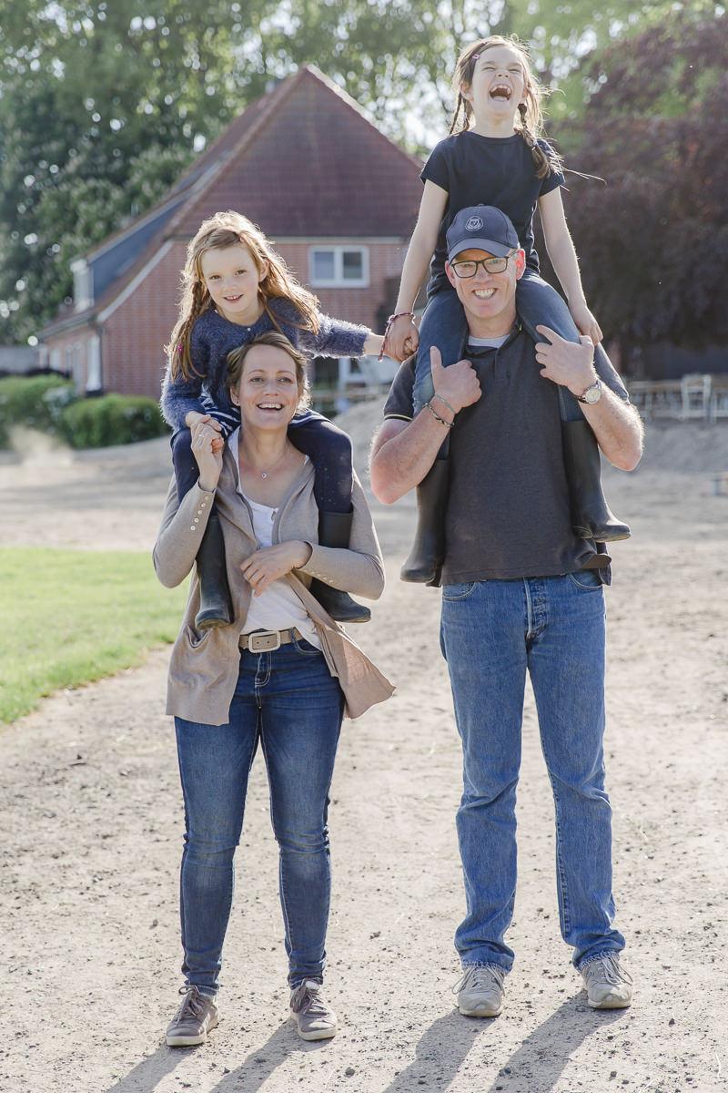Foto von einer Familie beim Urlaub auf dem Land | Foto: Hanna Witte