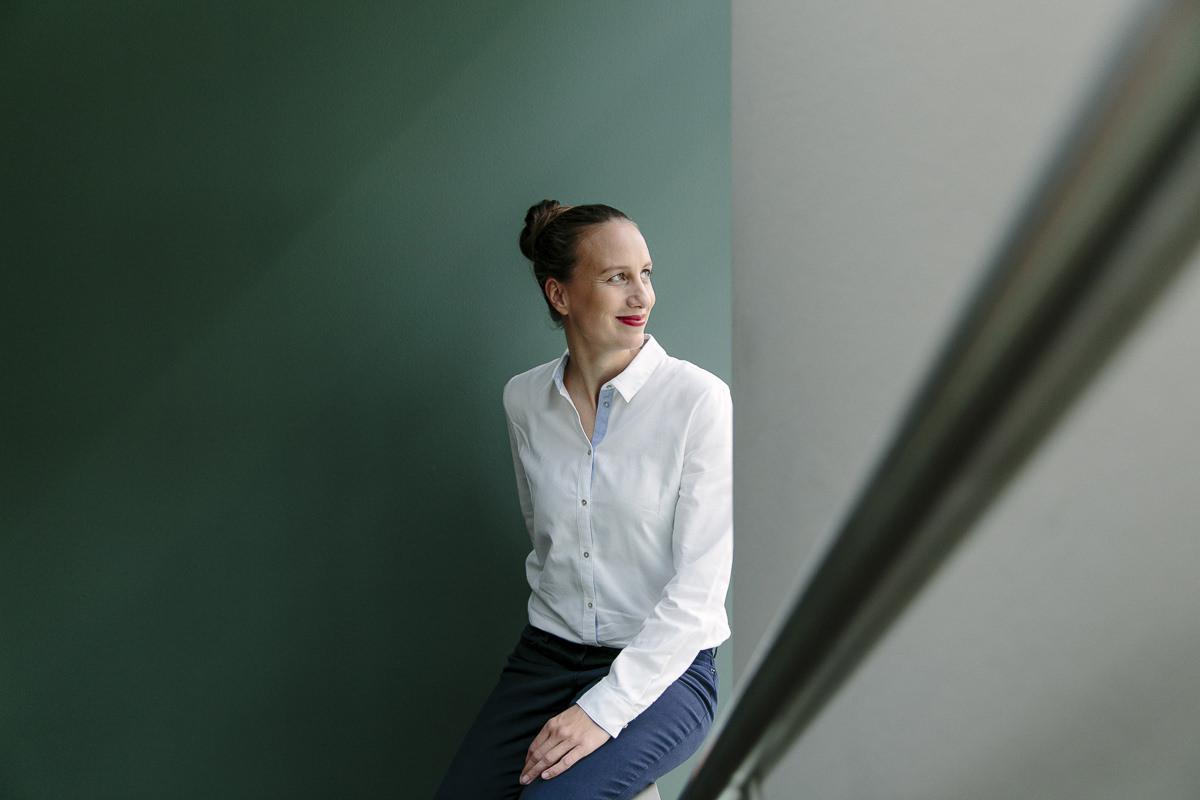 Corporate Portraitfoto der Inhaberin der Design Agentur Vrej | Foto: Hanna Witte