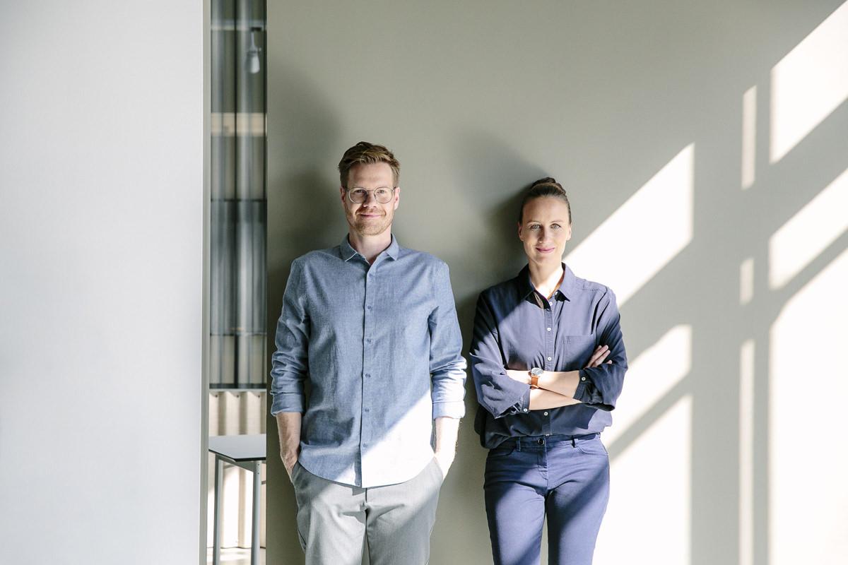 Corporate Portraitfoto der Inhaber der Design Agentur vrej aus Köln | Foto: Hanna Witte