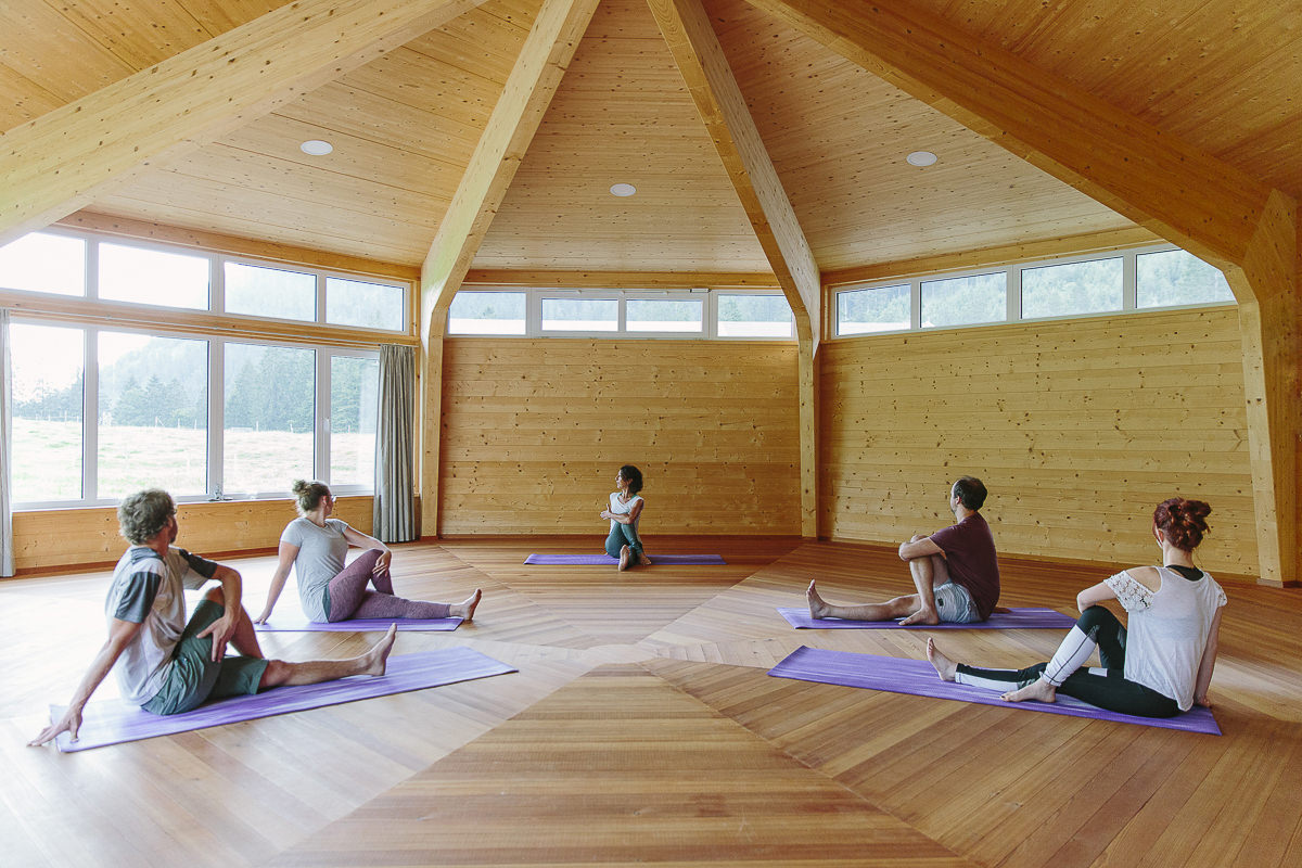 Yoga Pavillon des Wellness Hotels Naturhof Stillachtal | Foto: Hanna Witte