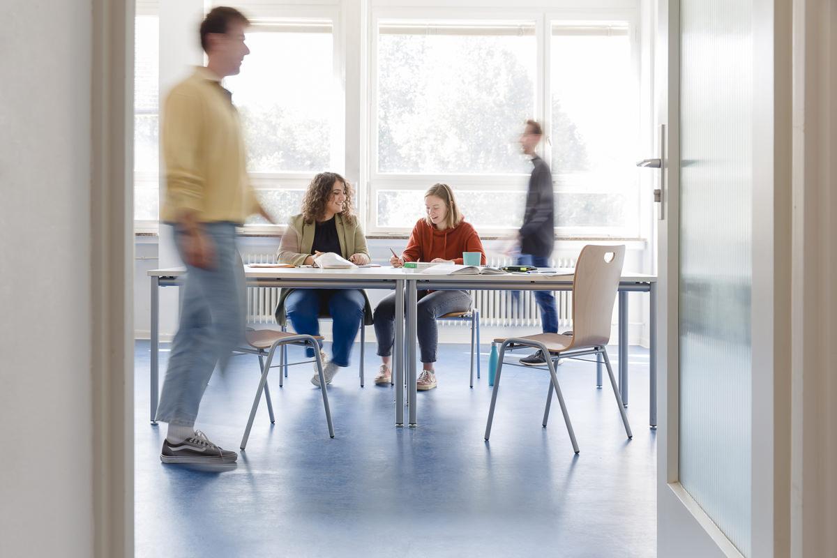 Soziologie Studenten der Uni Tübingen lernen zusammen | Foto: Hanna Witte