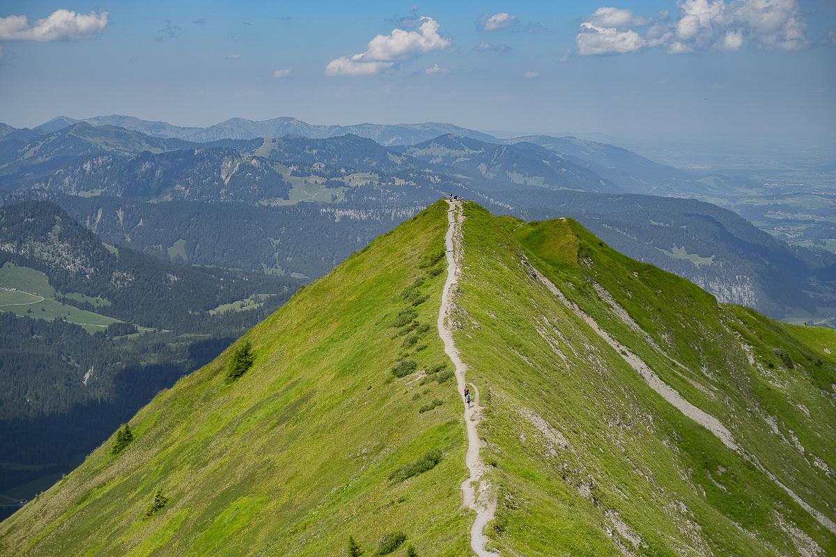 Aufnahme einer Bergspitze im Allgäu von oben | Foto: Hanna Witte