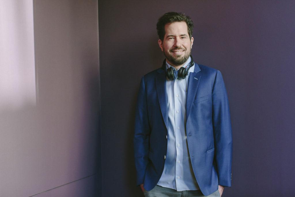 Portraitbild von Hochzeits- und Event DJ Markus Rosenbaum | Foto: Hanna Witte
