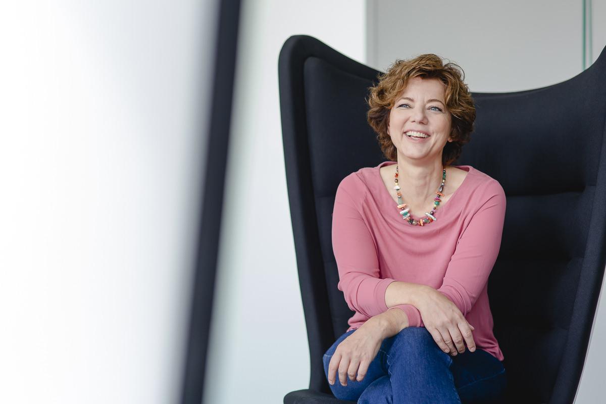 Portrait einer Mitarbeiterin der Venture Capital-Fonds Firma coparion | Foto: Hanna Witte