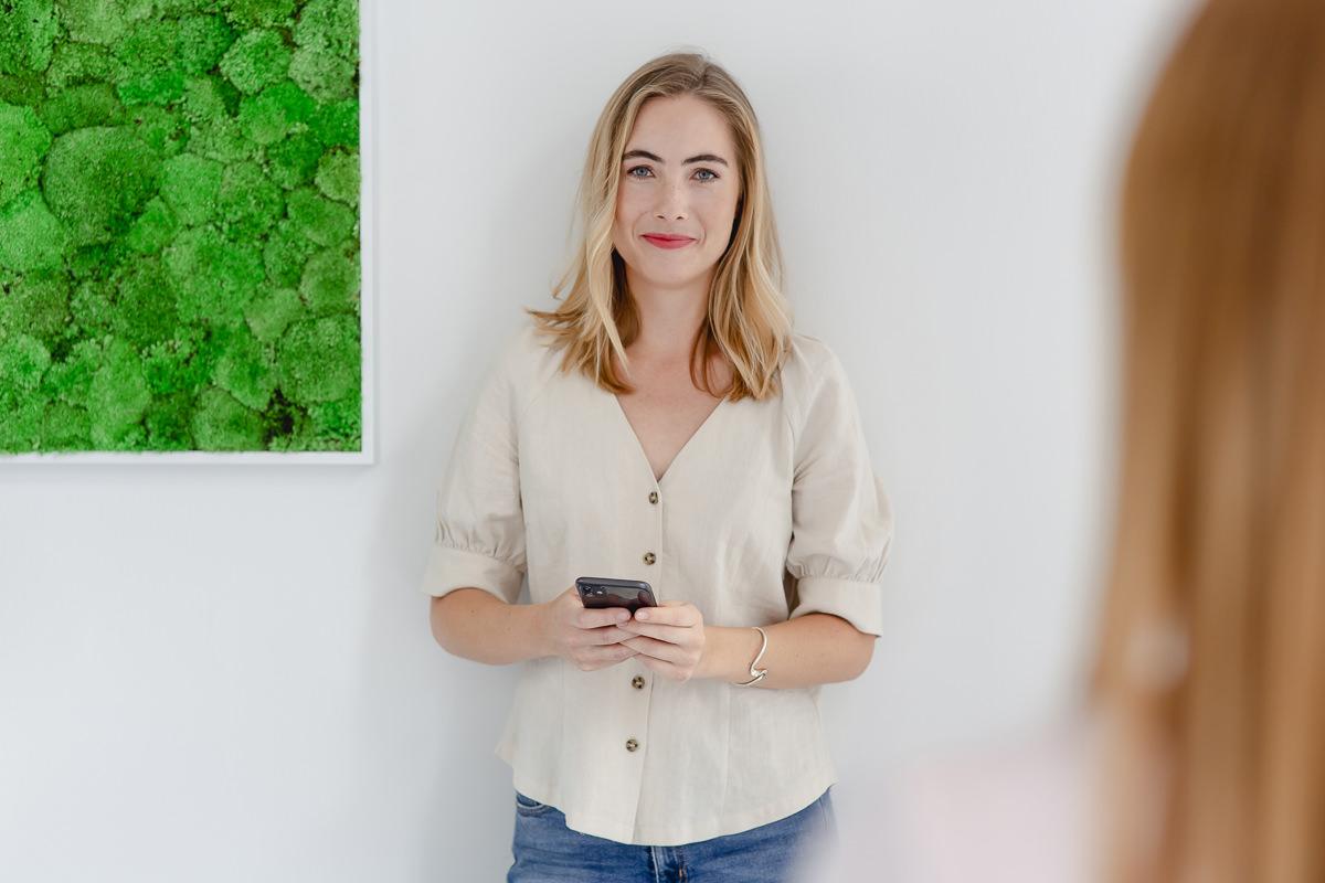 Mitarbeiterfoto einer Angestellten der Venture Capital-Fonds Firma coparion | Foto: Hanna Witte