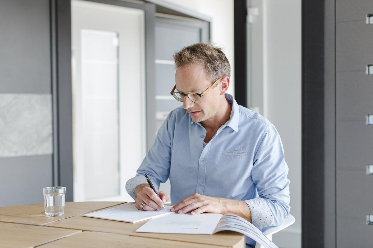 Geschäftsführer Mirko Kleinegreber bei der Arbeit | Corporate Foto: Hanna Witte