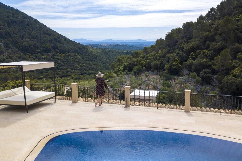 Hotelfoto Finca Außenbereich mit wunderschöner Aussicht auf Mallorca | Foto: Hanna Witte