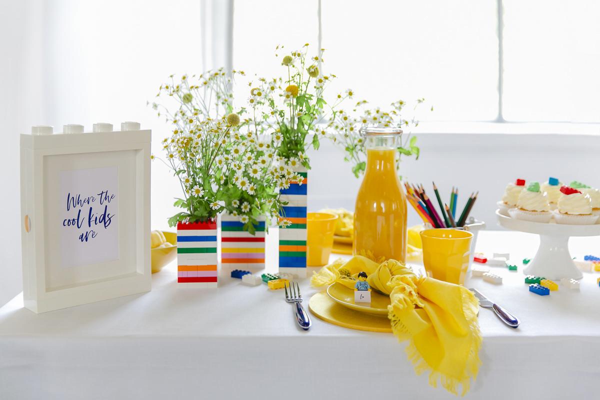 Bunter Tisch für Kinder bei einem Geburtstag oder einer Hochzeit | Foto: Hanna Witte
